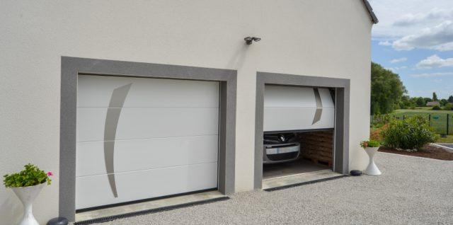 Porte de Garage Sectionnelle avec garniture Inox  à Bastogne